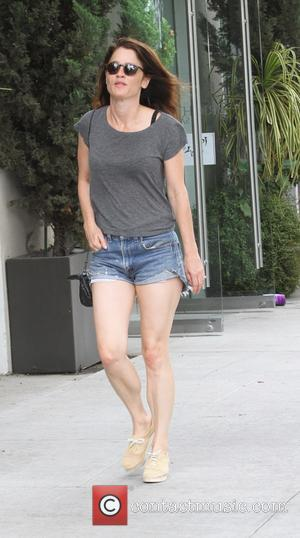 Robin Tunney - The Mentalist star Robin Tunney goes shopping in Beverly Hills - Los Angeles, California, United States -...
