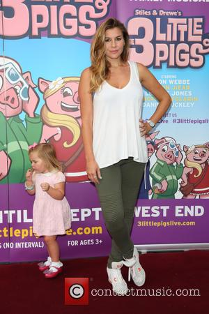 Imogen Thomas , daughter Ariana - The West End Premiere of The 3 Little Pigs held at the Palace Theatre...