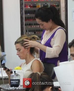 Rhea Durham - Rhea Durham spotted getting a manicure, pedicure, and scalp massage while simultaneously texting - Los Angeles, California,...
