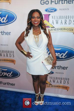 Kandi Burruss - Steve Harvey presents the 13th Neighborhood Awards at Philips Arena - Arrivals - Atlanta, Georgia, United States...