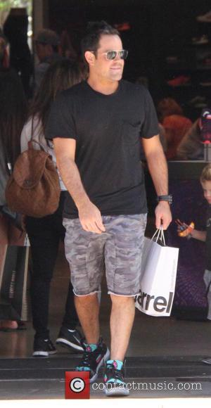 Mike Comrie - Mike Comrie shopping at The Grove at grove - Los Angeles, California, United States - Sunday 9th...
