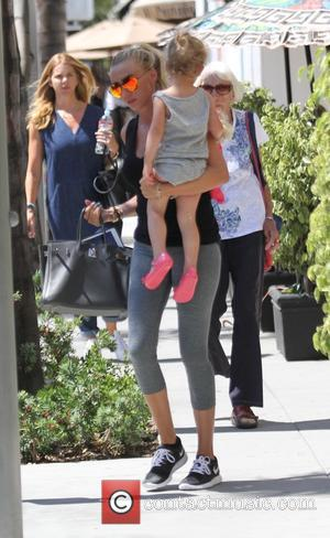 Petra Stunt - Tamara Ecclestone and Petra Stunt take their kids to lunch in Beverly Hills - Beverly Hills, California,...