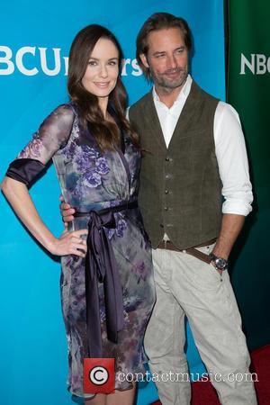 Sarah Wayne Callies and Josh Holloway