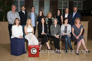 Jim Carter, Guest, Rob James-collier, Sophie Mcshera, Lesley Nicol, Raquel Cassidy, Kevin Doyle, Hugh Bonneville. Front Row: Phyllis Logan, Joanne Froggatt, Michelle Dockery, Maggie Smith, Elizabeth Mcgovern and Samantha Bond