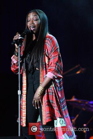 Estelle - Estelle performing live at the The Dell Music Center - Philadelphia, Pennsylvania, United States - Thursday 13th August...