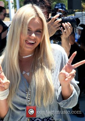 Alli Simpson - bBooth launches American Idol auditions at Culver City Mall in Los Angeles - Los Angeles, California, United...