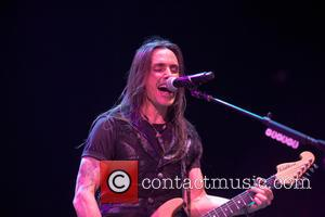 Naked Shots Of Extreme Star Nuno Bettencourt Leaked Following Hack