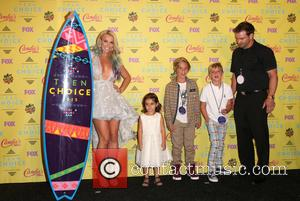 Britney Spears, Maddie Briann Aldridge, Jayden James Federline , Sean Federline - Teen Choice Awards 2015 - Press Room at...