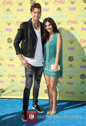 Pierson Fode and Victoria Justice