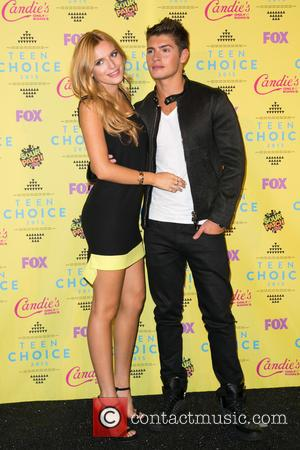 Bella Thorne , Gregg Sulkin - Teen Choice Awards 2015 at USC Galen Center - Press Room at USC Galen...