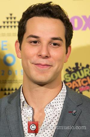 Skylar Astin - Teen Choice Awards 2015 at USC Galen Center - Press Room at USC Galen Center - Los...