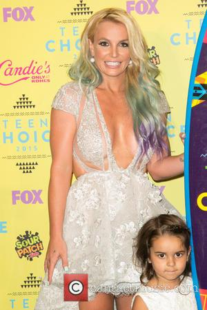 Britney Spears , Maddie Briann Aldridge - Teen Choice Awards 2015  at USC Galen Center - Press Room at...