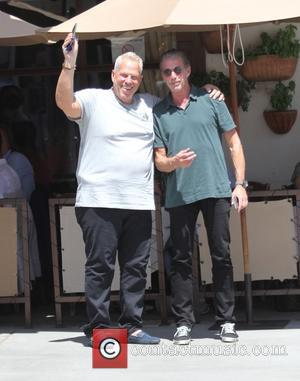 Steve Tisch - Film producer Steve Tisch has lunch with a friend in Beverly Hills - Los Angeles, California, United...