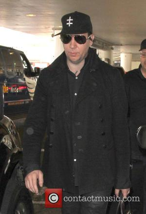 Marilyn Manson - Marilyn Manson arriving at Los Angeles International Airport (LAX) at Los Angeles International Airport (LAX) - Los...