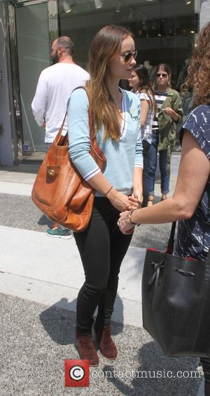Olivia Wilde - Olivia Wilde has lunch with friends in Beverly Hills - Los Angeles, California, United States - Wednesday...