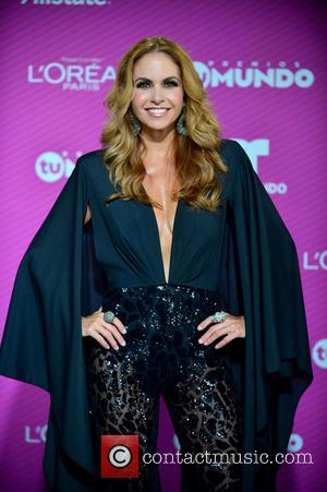 Lucero - Premios Tu Mundo 2015 Awards at the American Airlines Arena - Arrivals at American Airlines Arena - Miami,...