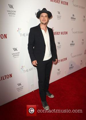 Gavin DeGraw - The Beverly Hilton 60th 'Diamond' Anniversary Celebration at the Aqua Star Pool - Arrivals at The Beverly...