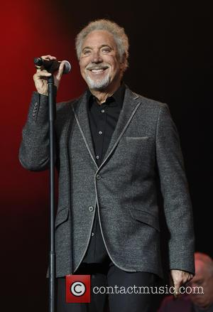 Tom Jones Hits Out At 'The Voice' Again, Claiming Producers Pressure Judges Into Picking Singers