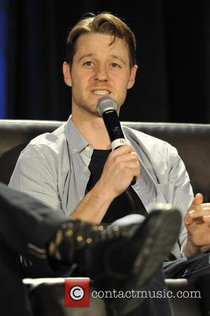 Ben McKenzie - Wizard World Comic Con at the Donald E Stephens Convention Center in Rosemont - Day 3 at...
