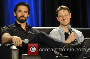 Milo Ventimiglia , Ben McKenzie - Wizard World Comic Con at the Donald E Stephens Convention Center in Rosemont -...