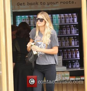 Beau Garrett - Beau Garrett goes shopping for a juice in Beverly Hills - Los Angeles, California, United States -...