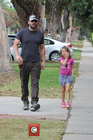 Ben Affleck , Seraphina Ben Affleck - Ben Affleck out with his daughter in Brentwood for the day - Los...