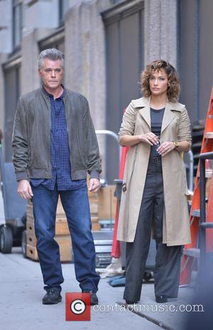 Ray Liotta and Jennifer Lopez