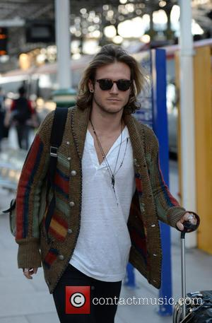 Dougie Poynter - Dougie Poynter spotted arriving at Manchester Piccadilly Train Station. - Manchester, United Kingdom - Thursday 27th August...