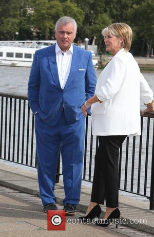 Ruth Langsford , Eamonn Holmes - Ruth Langsford and Eamonn Holmes filming on the Southbank - London, United Kingdom -...