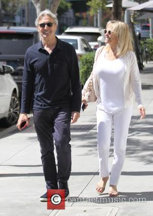 David Steinberg , Robyn Todd - Canadian comedian David Steinberg and his wife Robyn Todd out shopping in Beverly Hills...