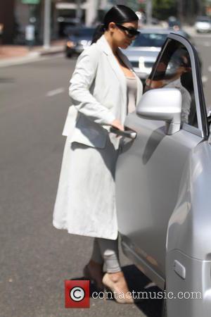 Kim Kardashian - Pregnant Kim Kardashian leaves Anastasia salon in Beverly Hills - Hollywood, California, United States - Friday 28th...