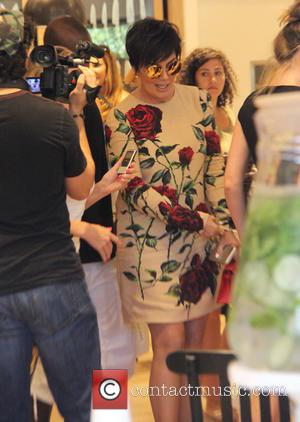 Kris Jenner - Kris Jenner attends a book signing at Williams-Sonoma The Commons for her book 'In The Kitchen With...