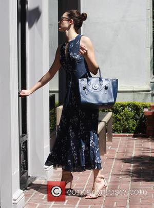Emmy Rossum - Emmy Rossum arrives at a spa at Melrose Place in Beverly Hills - Los Angeles, California, United...