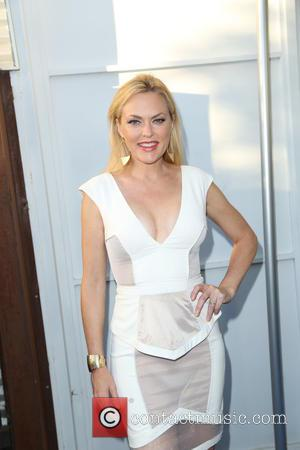 Elaine Hendrix - Mercy For Animals Hidden Heroes Gala - Arrivals - Los Angeles, California, United States - Saturday 29th...