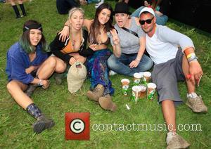 Ami, Lana, Sharon, Leggsy and Atmosphere