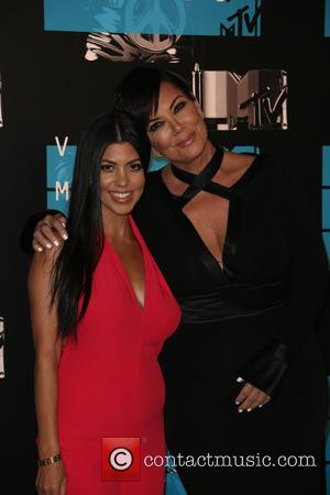 Kris Jenner , Kourtney Kardashian - 2015 MTV Video Music Awards (VMA's) at the Microsoft Theater - Arrivals at The...