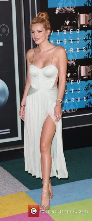 Bella Thorne - 2015 MTV Video Music Awards (VMA's) at the Microsoft Theater - Arrivals at Microsoft Theater - Los...