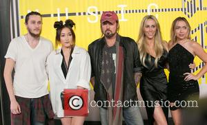 Braison Cyrus, Noah Cyrus, Billy Ray Cyrus, Tish Cyrus and Brandi Glenn Cyrus