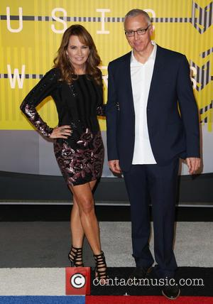 Drew Pinsky, Dr. Drew , Susan Pinsky - Celebrities attend 2015 MTV Video Music Awards at Microsoft Theater. at Microsoft...