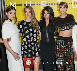 Actress Hailee Steinfeld, actress Cara Delevingne, actress/singer Selena Gomez , recording artist Taylor Swift - Celebrities attend 2015 MTV Video...