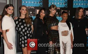 Hailee Steinfeld, Cara Delevingne, Selena Gomez, Taylor Swift, Serayah , Mariska Hargitay - The 2015 MTV Video Music Awards at...