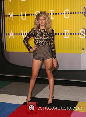 Tori Kelly - The 2015 MTV Video Music Awards at The Microsoft Theater at L.A. Live - Los Angeles, California,...