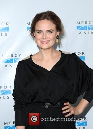Emily Deschanel - Mercy For Animals Presents The Hidden Heroes Gala at Unici Casa - Culver City, California, United States...