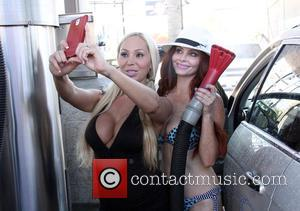 Phoebe Price , Mary Carey - Phoebe Price and Mary Carey fool around together at the car wash - Los...