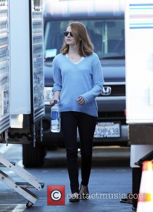 Emma Stone - Ryan Gosling and co star Emma Stone spotted on the set of