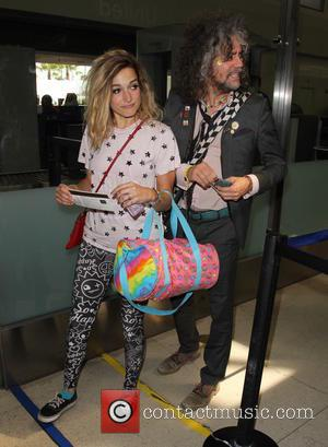 Wayne Coyne - Wayne Coyne arrives at Los Angeles International (LAX) airport to catch a flight - Los Angeles, California,...