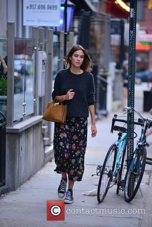 Alexa Chung - Alexa Chung walking in Soho - Manhattan, New York, United States - Tuesday 1st September 2015