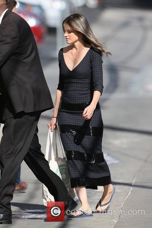 Amanda Peet - Amanda Peet seen arriving at ABC studios for Jimmy Kimmel Live! at Hollywood - Los Angeles, California,...