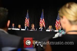 Bruce Levy, Jane Levy, Rabbi Jonathan Berkun, Rep. Debbie Wasserman Shultz, Vice President Joe Biden, Debby Eisinger and Rabbi Bennett Greenspon