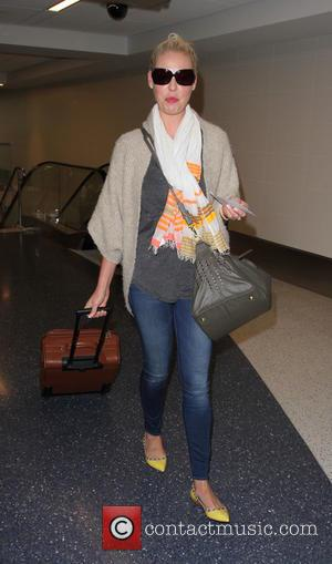 Katherine Heigl - Katherine Heigl departs from Los Angeles International Airport (LAX) - Los Angeles, California, United States - Friday...